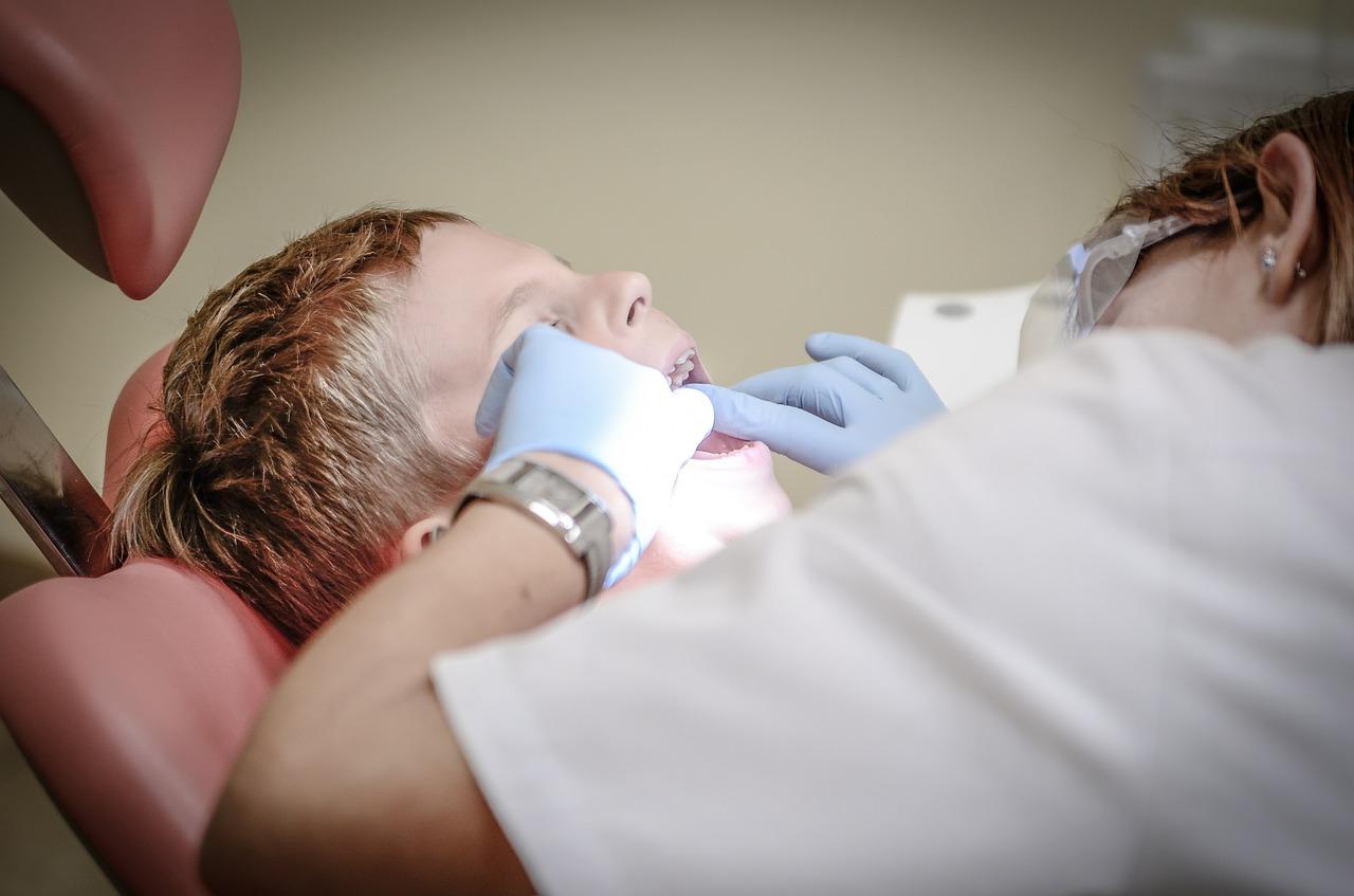 Você sabe tudo que um dentista faz?