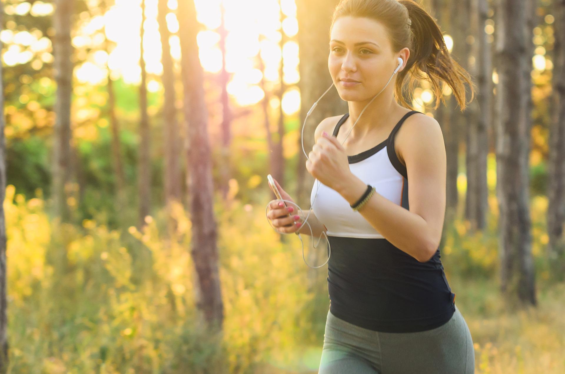 Saiba mais sobre os exercícios físicos para você fazer em casa